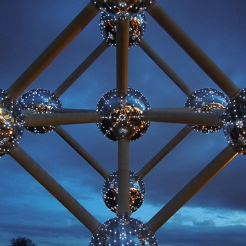 Atomium al tramonto