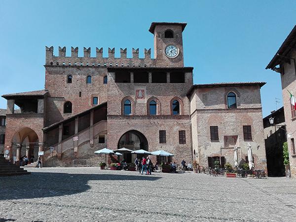 piazza-carq